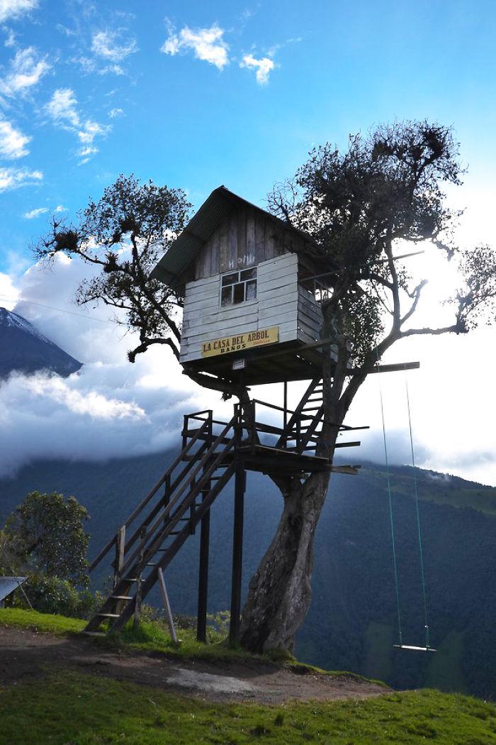La Casa Del Àrbol In Baños de Agua Santa, Ecuador