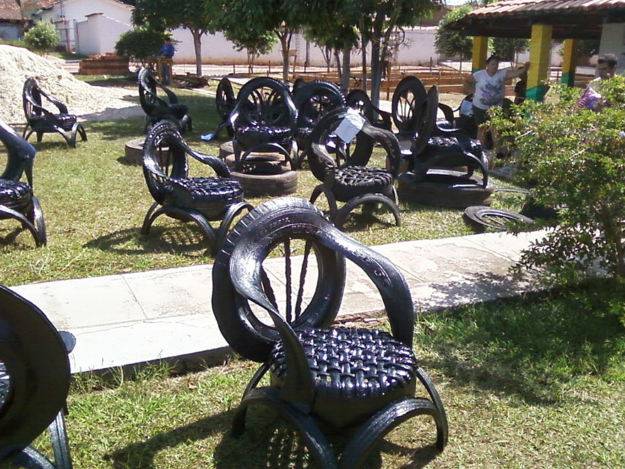 furniture-recycled-tires-claudio-mota-1