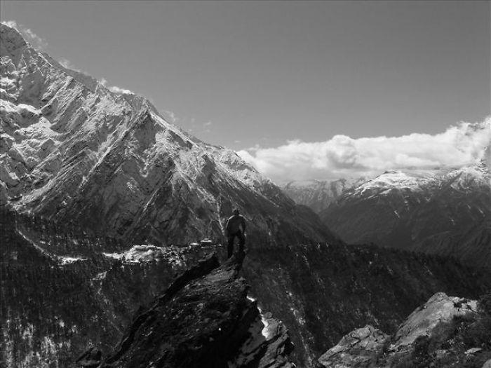 Trekking In Nepal. Image By Stan Sweeney