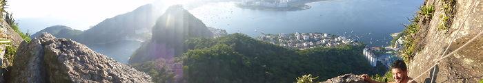 Ecuatoriano Escalando El Pao Do Azucar - Rio De Janeiro