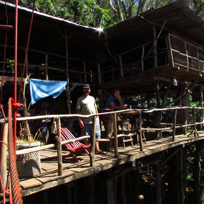 Poste Rojo - Tree House Hostel, Granada, Nicaragua