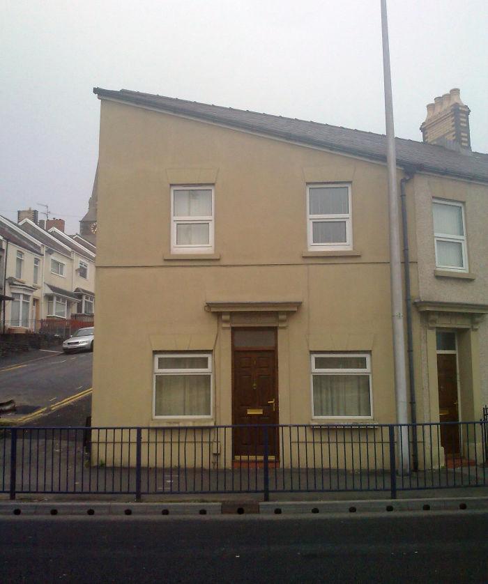 House That Looks Like Hitler