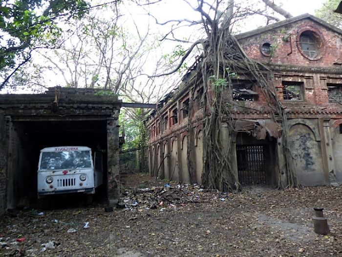 Old Hospital In Calcuta