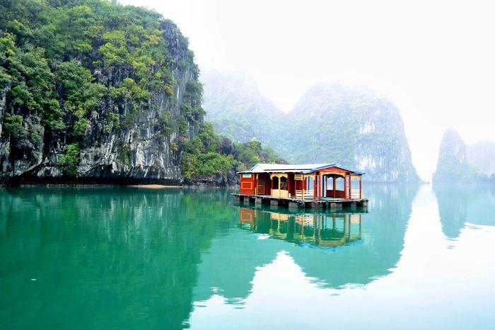 Halon Bay, Vietnam
