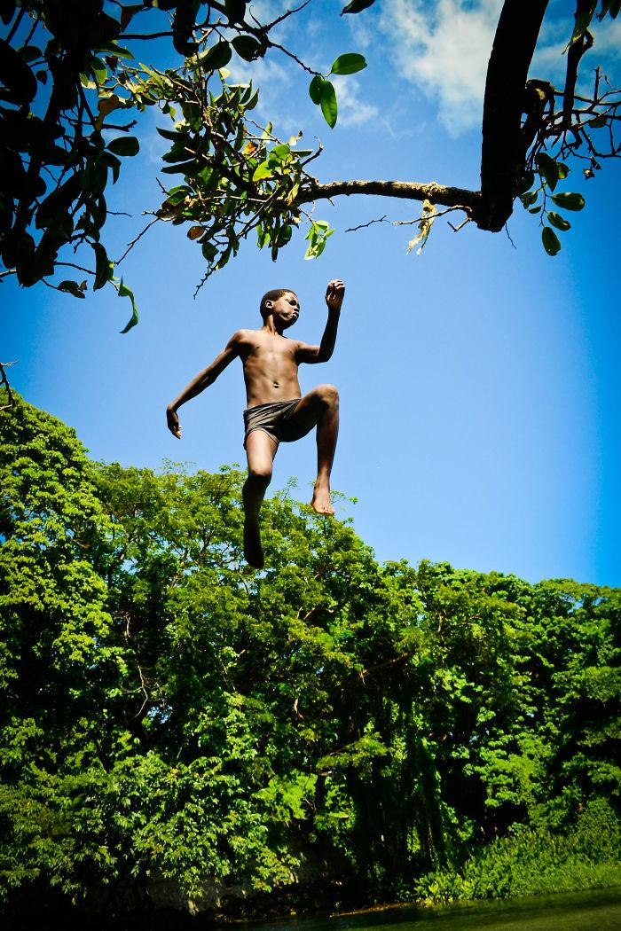 Jumping (dominican Republic)