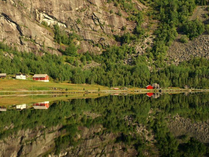 Stay Still In Norway