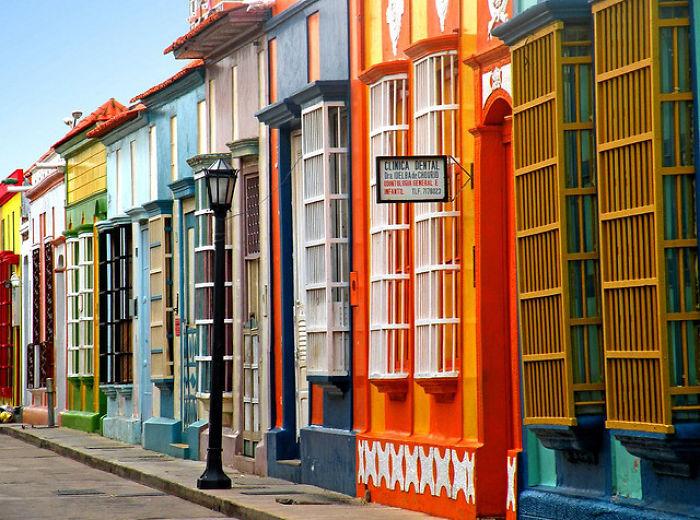 Calle carabobo maracaibo venezuela bored panda - Colores para pintar una casa ...