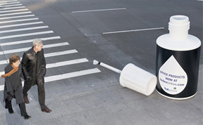 30 Creative Ads Using Oversized Objects