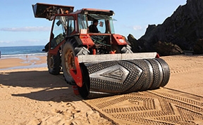 Tractor Creates Amazing Sand Art on the Beach
