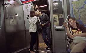 Street Photographer Spends 30 Years Capturing Kissing Couples of New York City