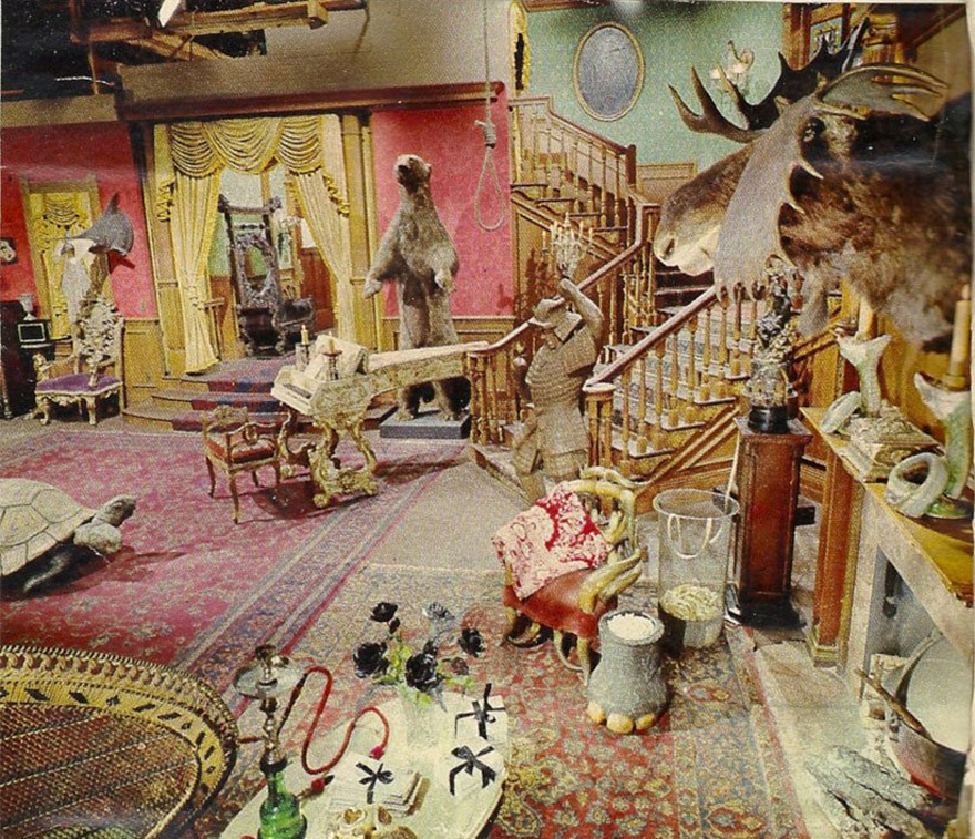 pink-addams-familys-living-room-1