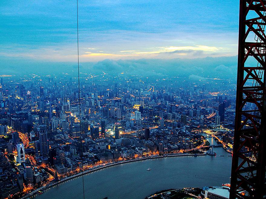 crane-operator-aerial-shanghai-photos-wei-gensheng-5