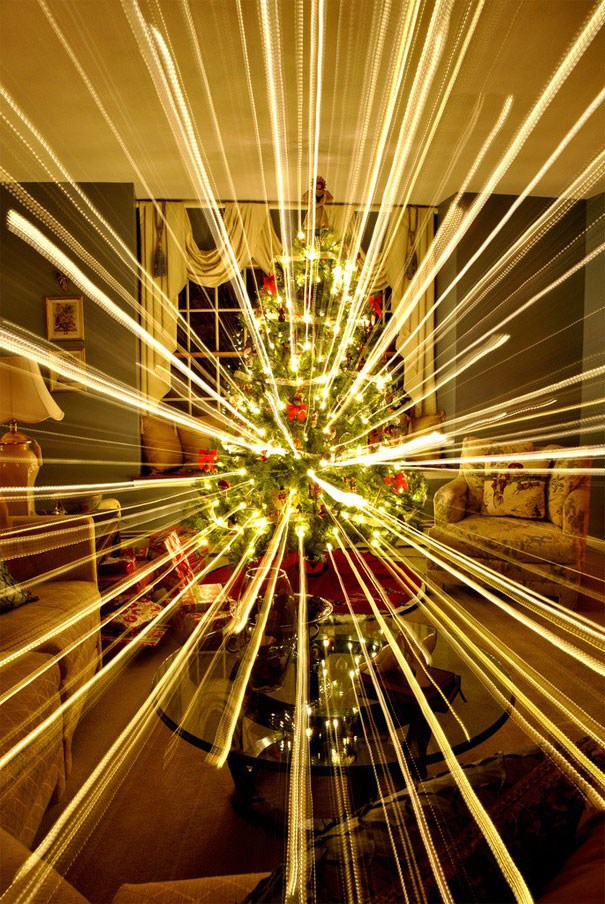 What Happens When You Take A Long-Exposure Picture Of A Christmas ...