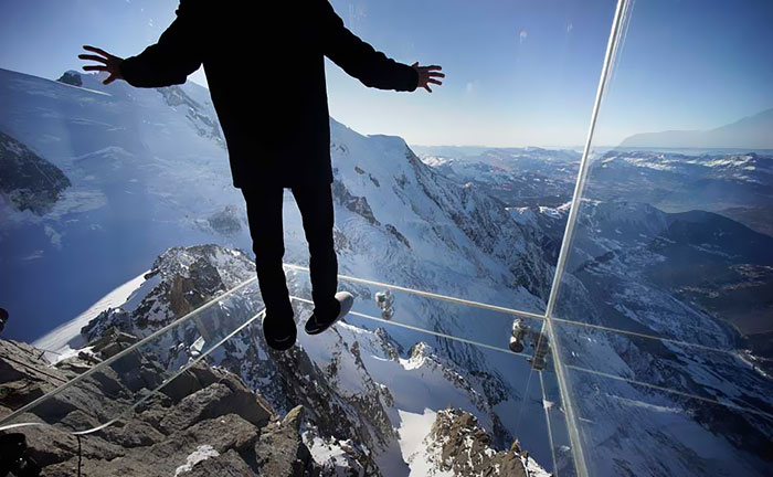 Step Into The Void: Glass Box in French Alps Allows Visitors to Walk 13,123ft Above Sea Level