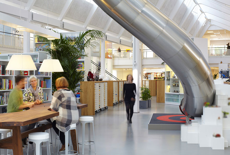 Astonishing 12 Of The Coolest Offices In The World Bored Panda Largest Home Design Picture Inspirations Pitcheantrous