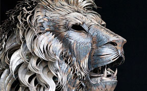 Majestic Lion Sculpture Made Of 4,000 Pieces Of Hammered Scrap Metal by Selçuk Yılmaz