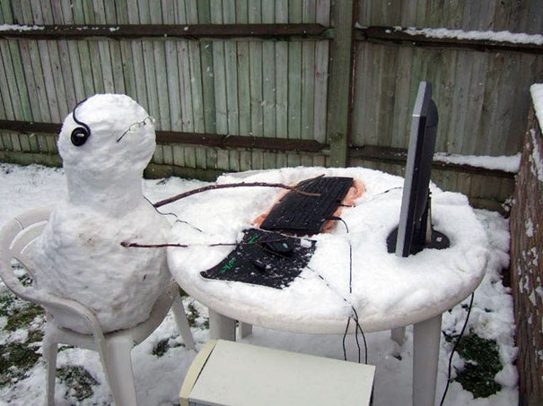 creative-funny-snowman-ideas-12
