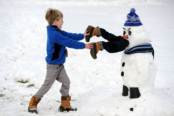 These 30 crazy snowman ideas would make calvin and hobbes for Fun blog ideas
