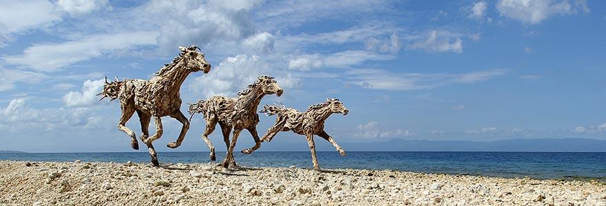 galloping-driftwood-horse-sculptures-jame-doran-webb-10