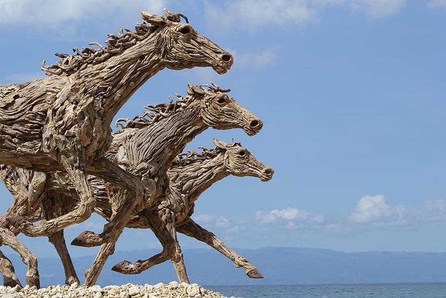 galloping-driftwood-horse-sculptures-jame-doran-webb-6