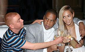 Man Photoshops Himself Into Celebrity Photos