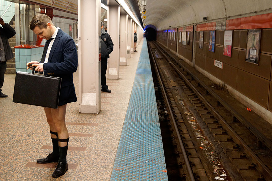 no-pants-subway-ride-2014-13