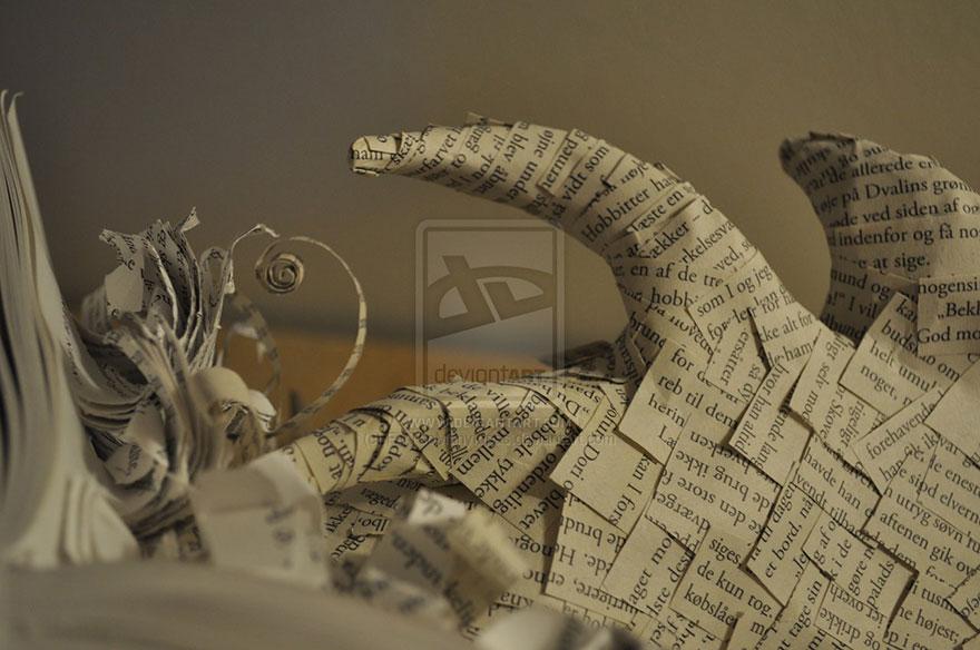paper-sculpture-smaug-the-dragon-hobbit-fartoomanyideas-2