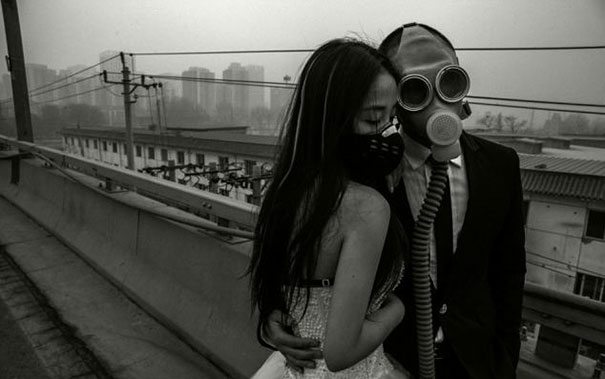 gas-masks-wedding-photography-beijing-china-2