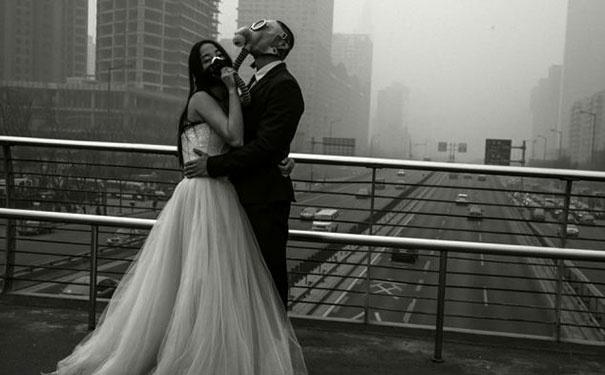 gas-masks-wedding-photography-beijing-china-4