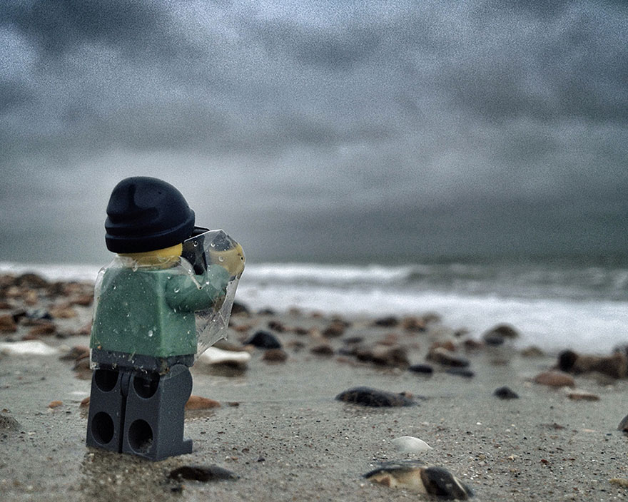 Tiny LEGOgrapher Travels The World In 365-Day Project By ...