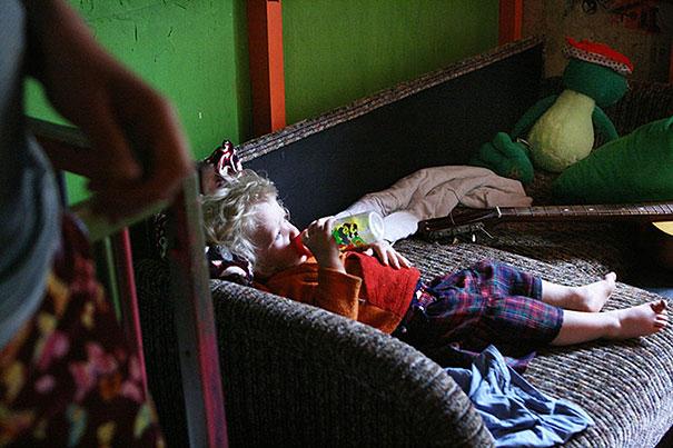 drug-addiction-photography-another-family-irina-popova-10
