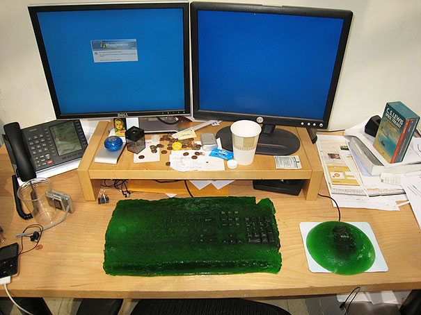 Funny Aprils Fool Office Pranks 26