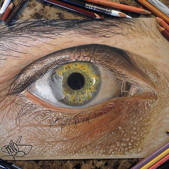 19-Year-Old Artist Draws Unbelievably Realistic Eyes Using Just Colored Pencils