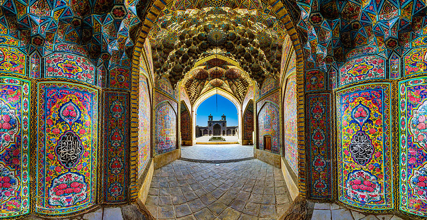 Every Morning, This Stunning Mosque In Iran Is Illuminated With All Of The Colors Of The Rainbow