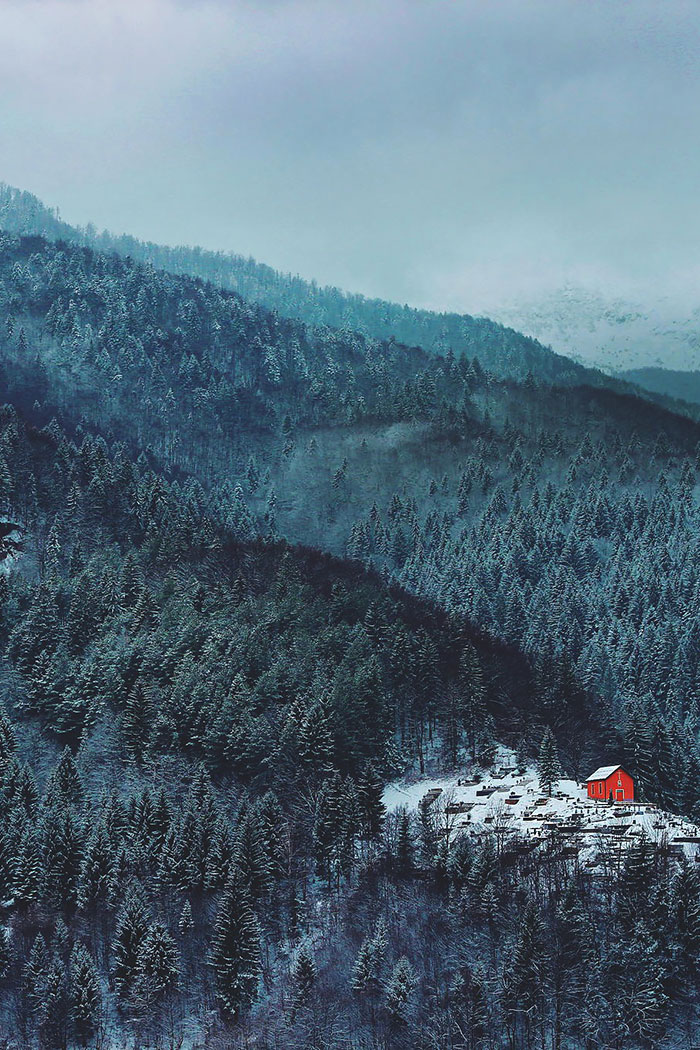 77 Lonely Little Houses Lost In Majestic Winter Scenery