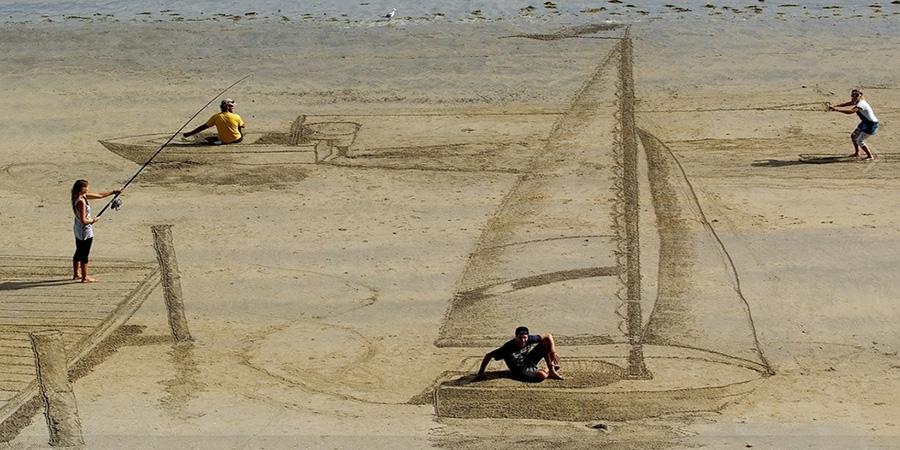 Mind-Bending 3D Beach Art By NZ Artists Jamie Harkins, Constanza Nightingale and David Rendu