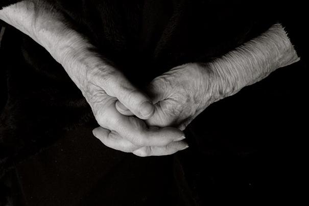 aged-human-body-100-years-old-centenarians-anastasia-pottinger-11