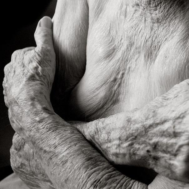 aged-human-body-100-years-old-centenarians-anastasia-pottinger-6