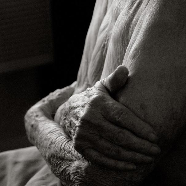 aged-human-body-100-years-old-centenarians-anastasia-pottinger-7