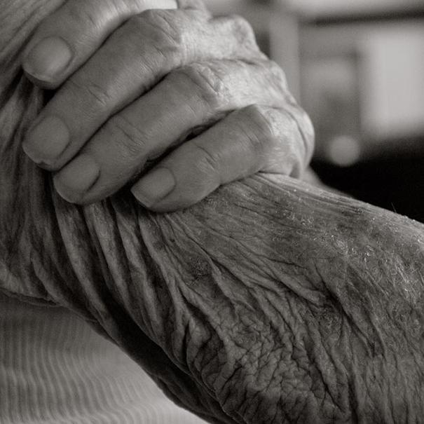 aged-human-body-100-years-old-centenarians-anastasia-pottinger-8