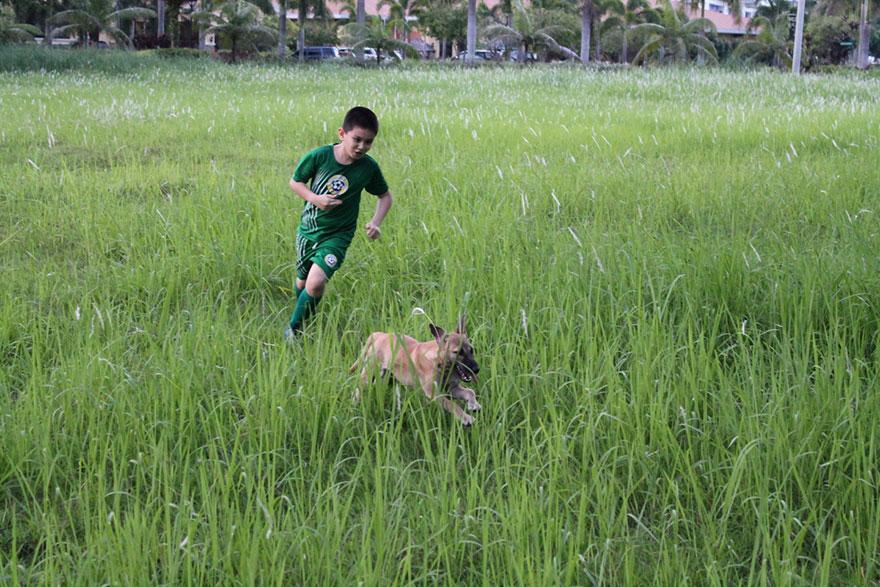 happy-animals-club-pet-shelter-kid-4
