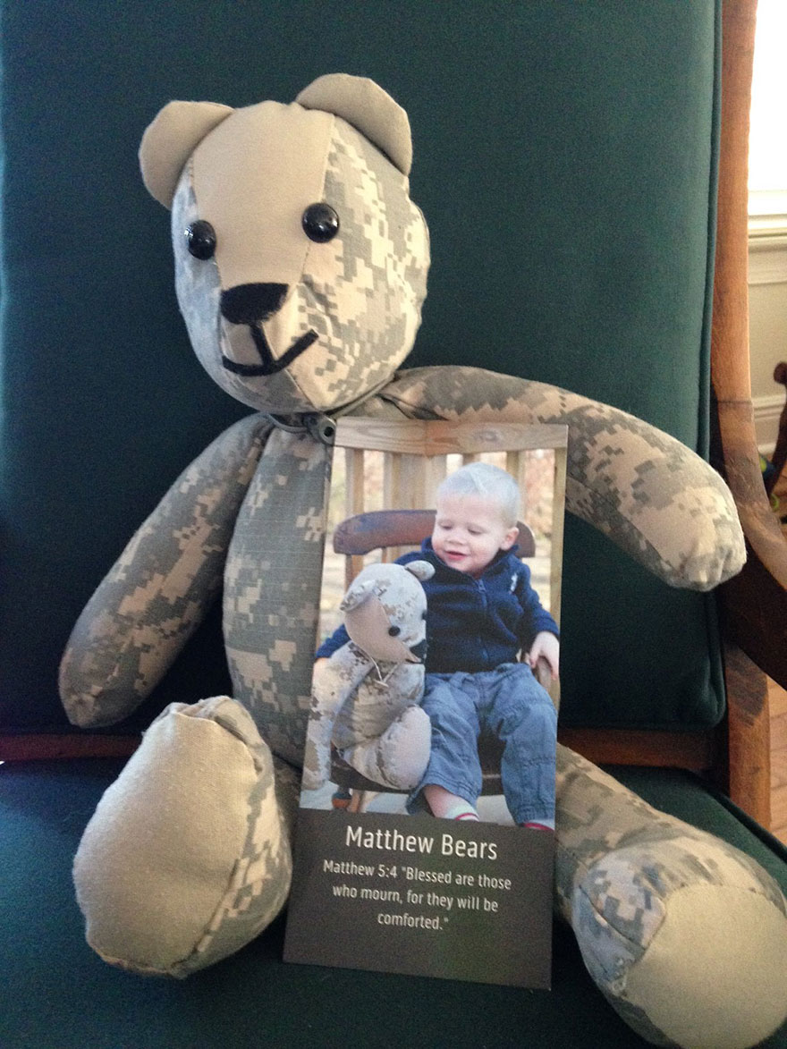 matthew-freeman-project-soldier-uniform-teddy-bears-4