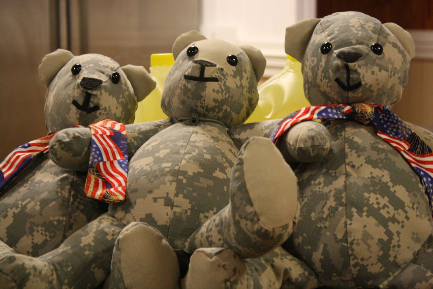 matthew-freeman-project-soldier-uniform-teddy-bears-6