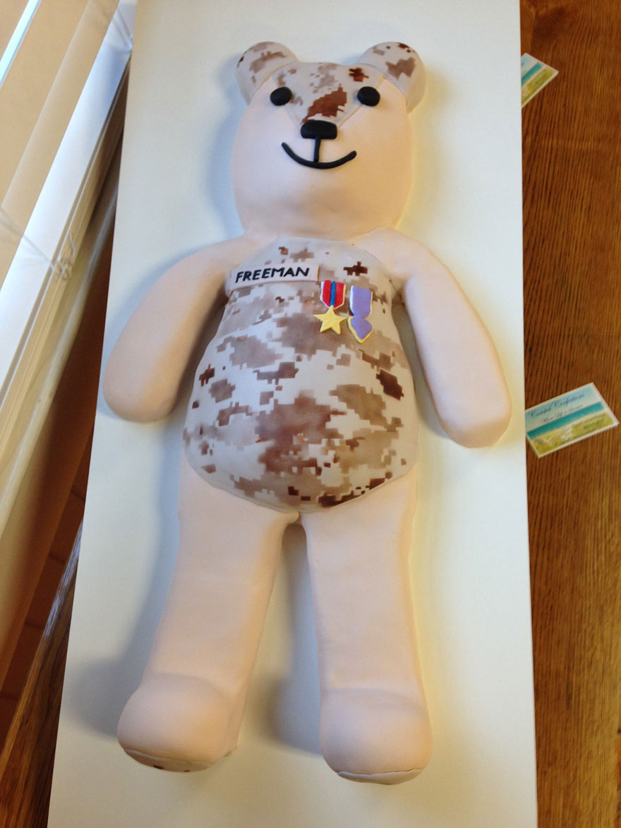 matthew-freeman-project-soldier-uniform-teddy-bears-9
