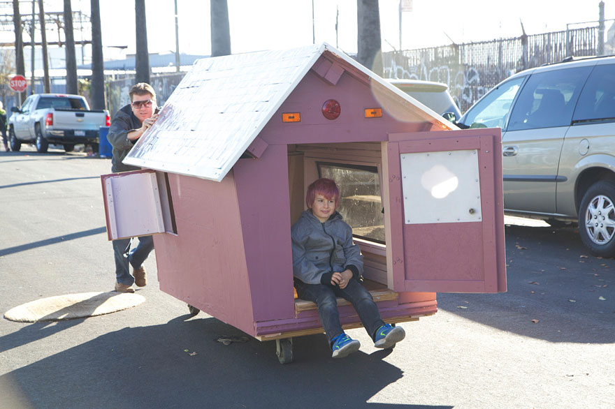 recycled-homeless-homes-project-gregory-kloehn-17