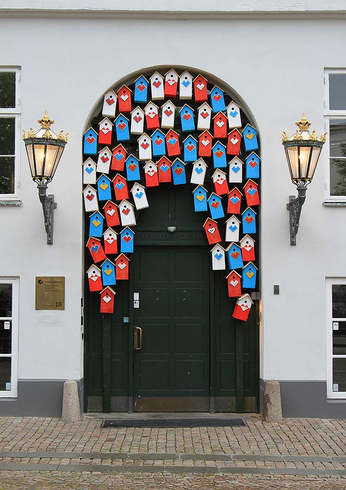Copenhagen Denmark & 30 Beautiful Doors That Seem To Lead To Other Worlds | Bored Panda