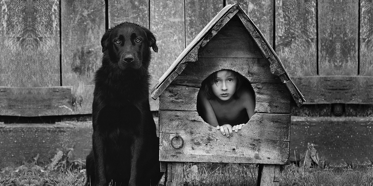 Father Takes Heartwarming Photos Of His Children And Their Animals In Rustic Village In Poland