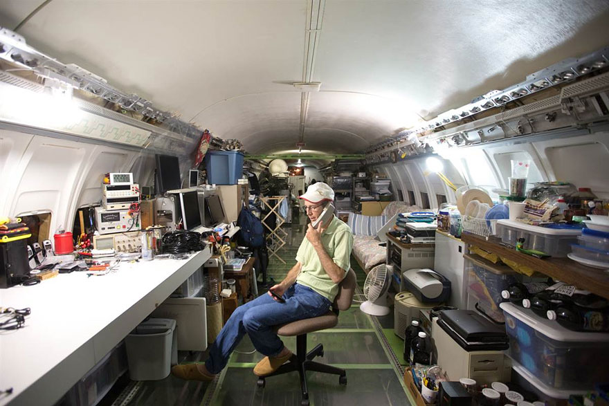 retired-boeing-727-recycled-home-bruce-c