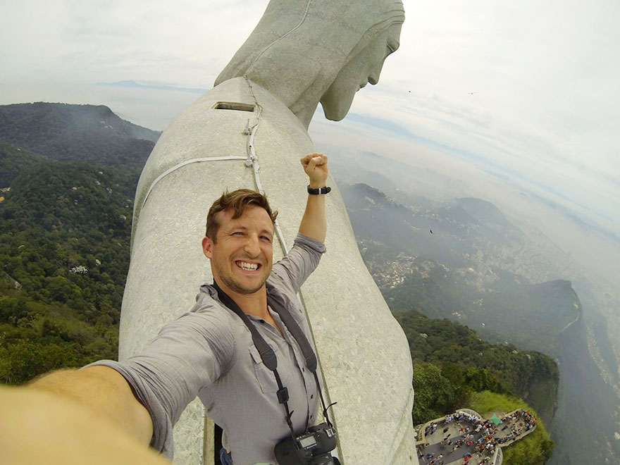ultimate-selfie-brazil-christ-statue-rio-thompson-2