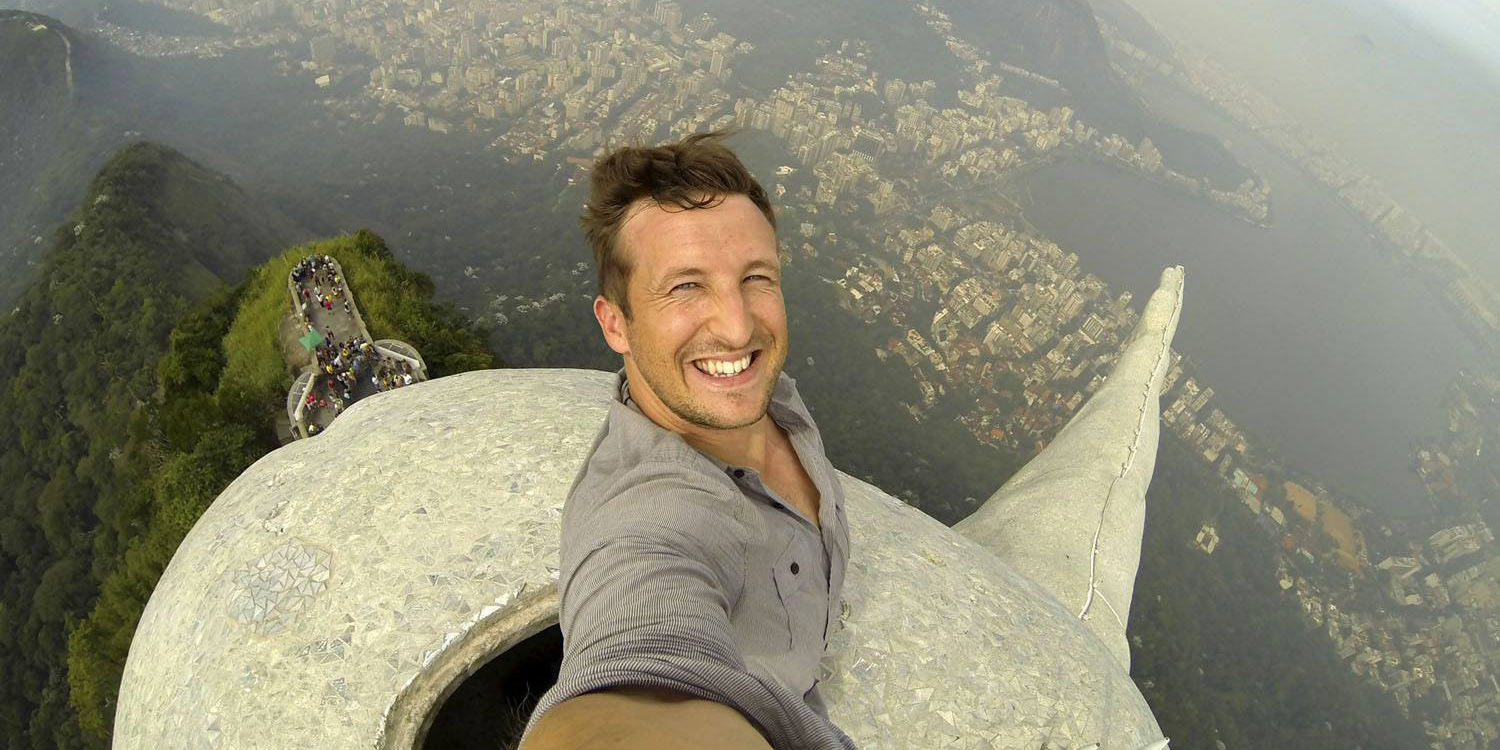World's Most Impressive Selfie Taken On The 98-foot (38-metre) Tall Christ The Redeemer Statue In Rio